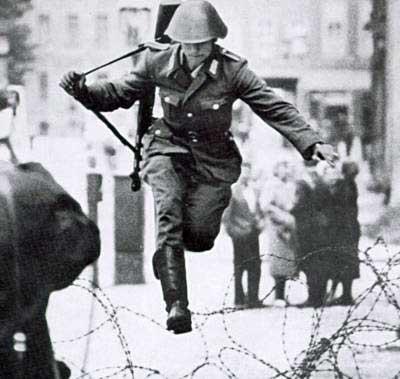 Conrad Schumann, el primero en saltar