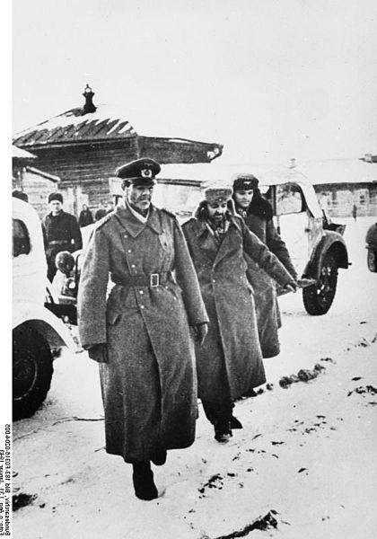 El MAriscal PAulus y sus ayudantes camino del cautiverio, el 31/I/1943